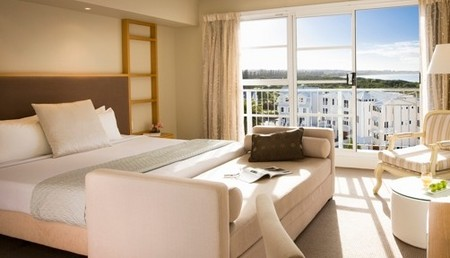 Quality Suites Deep Blue - Accommodation Gold Coast