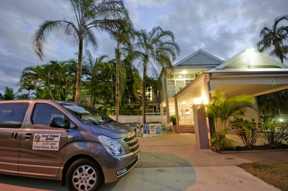Reef Palms - Accommodation Gold Coast