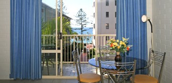 Surf Dance Holiday Units - Accommodation Gold Coast