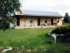Mt Dutton Bay Woolshed Heritage Cottage - Accommodation Gold Coast