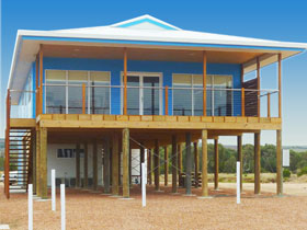 Lincoln View Holiday Home - Accommodation Gold Coast