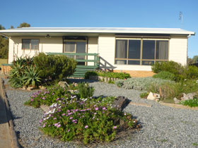 Oaklands Beach House - Accommodation Gold Coast