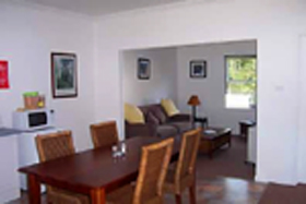 Giants' Table and Cottages - Accommodation Gold Coast