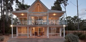 Lochani on the Bay - Accommodation Gold Coast