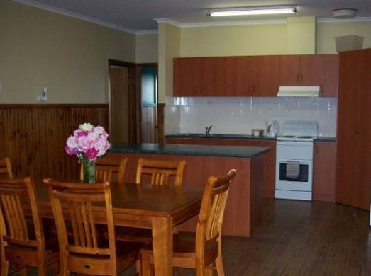 Riverland Holiday Cottage - Accommodation Gold Coast