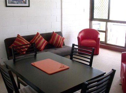 Como Holiday Apartments and Tropical Nites Motel - Accommodation Gold Coast