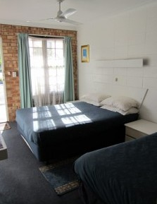 Surf Street Motel - Accommodation Gold Coast