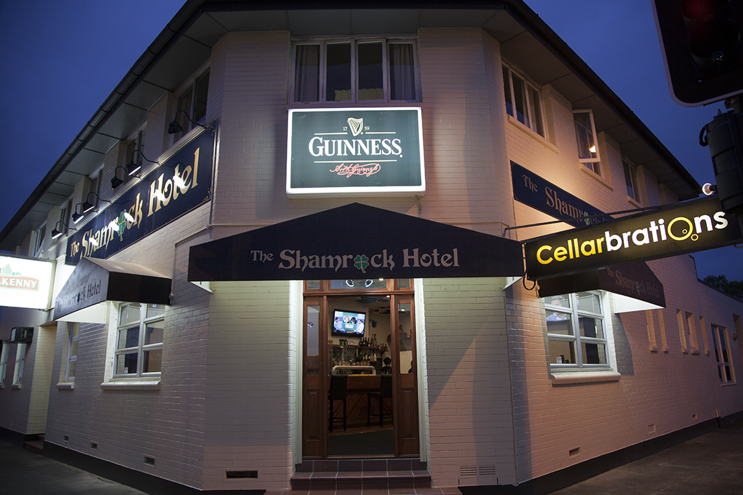 Shamrock Hotel - Accommodation Gold Coast