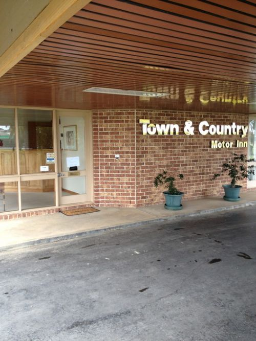 Town amp Country Motor Inn Forbes - Accommodation Gold Coast