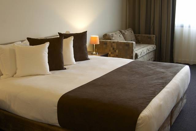Quality Hotel Tabcorp Park - Accommodation Gold Coast