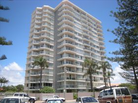 Pacific Regis Holiday Apartments - Accommodation Gold Coast