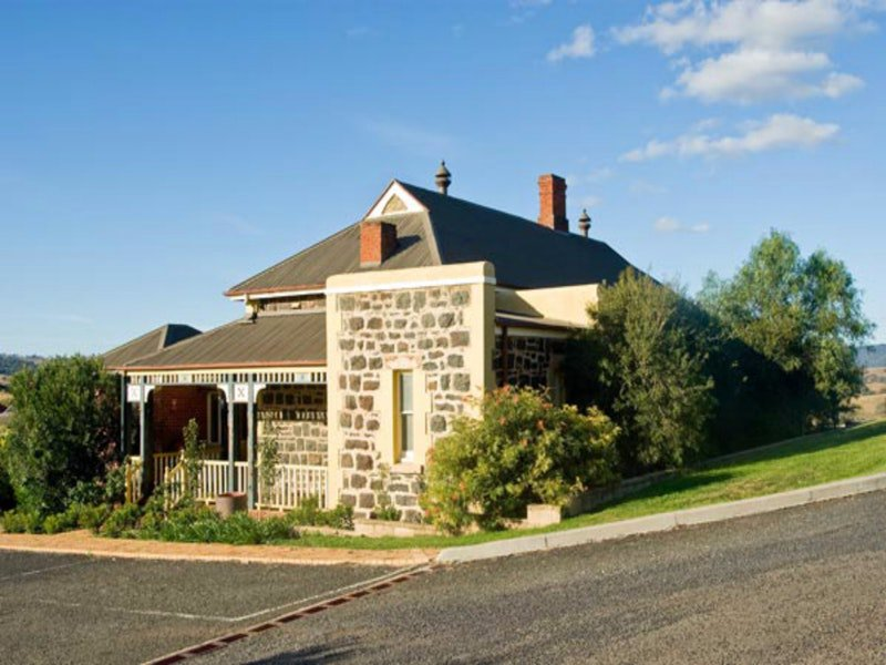 Hermitage Hill Resort - Accommodation Gold Coast