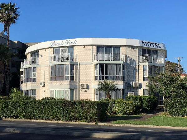 Beach Park Motel - Accommodation Gold Coast