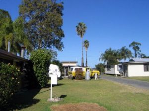 Browns Caravan Park - Accommodation Gold Coast