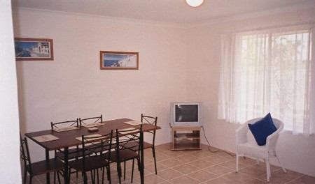 JJ's Holiday Cottages - Butler Street - Accommodation Gold Coast