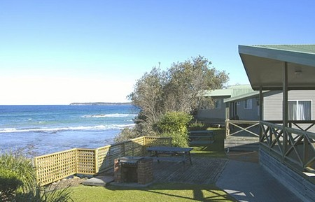 Berrara Beach Holiday Chalets - Accommodation Gold Coast