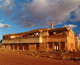 Big Bell Ghost Town - Accommodation Gold Coast