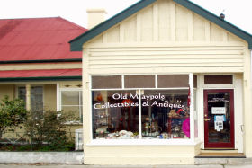 Old Maypole Collectables  Antiques - Accommodation Gold Coast