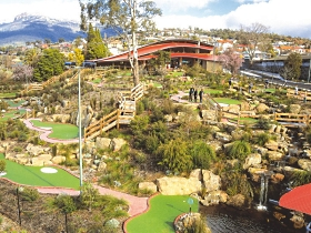 Putters Adventure Golf - Accommodation Gold Coast