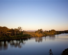Lake Wivenhoe - Accommodation Gold Coast