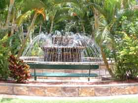 Bauer and Wiles Memorial Fountain - Accommodation Gold Coast
