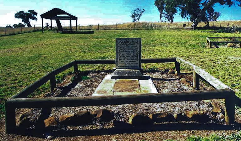 Yuranighs Aboriginal Grave Historic Site - Accommodation Gold Coast