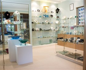 The Glass Gallery - BS Glass Art - Accommodation Gold Coast