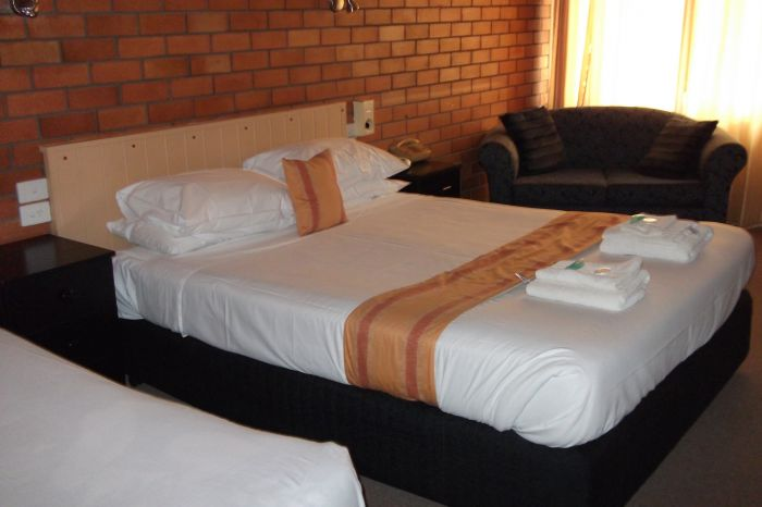 Hilldrop Motor Inn - Accommodation Gold Coast