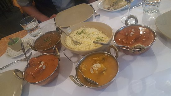 Tandoori  Curry Club - Accommodation Gold Coast