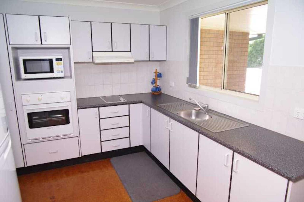 Bellhaven 1 17 Willow Street - Accommodation Gold Coast