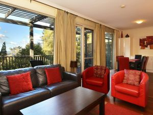 Villa Cypress located within Cypress Lakes - Accommodation Gold Coast
