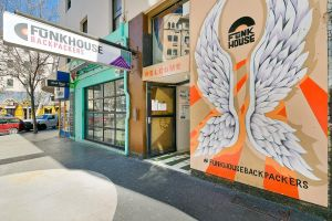 Funk House Backpackers - Accommodation Gold Coast