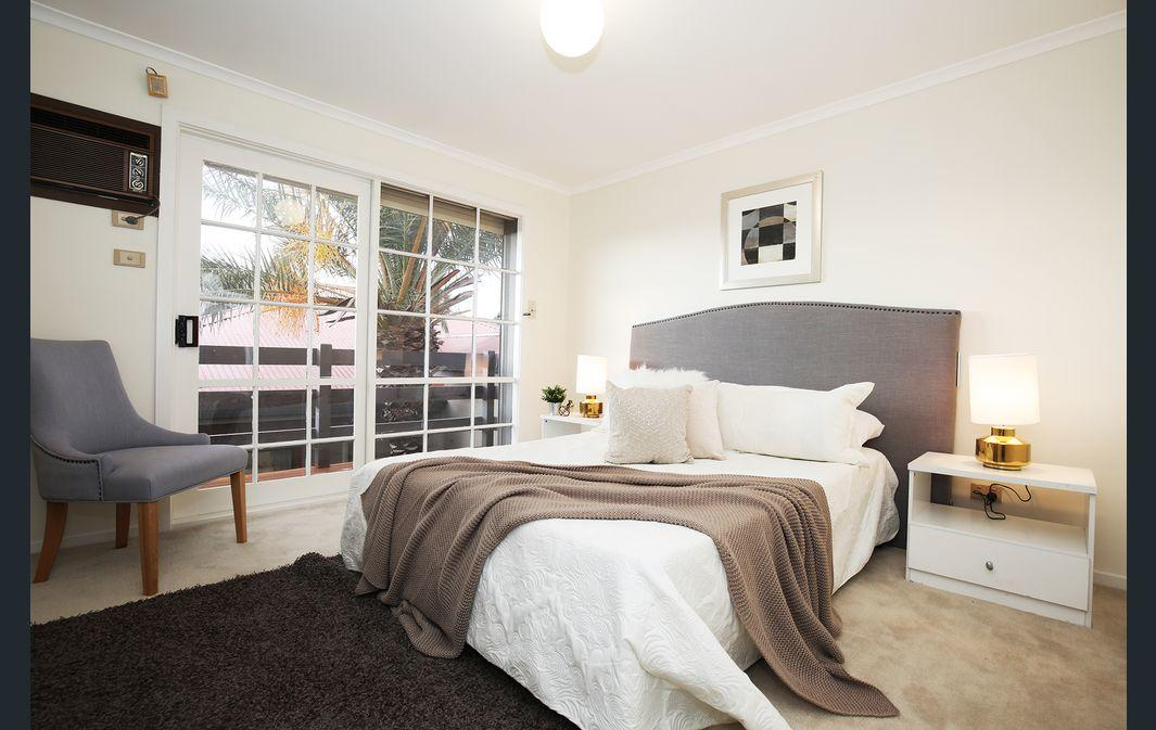 The Gallery Hours - Accommodation Gold Coast
