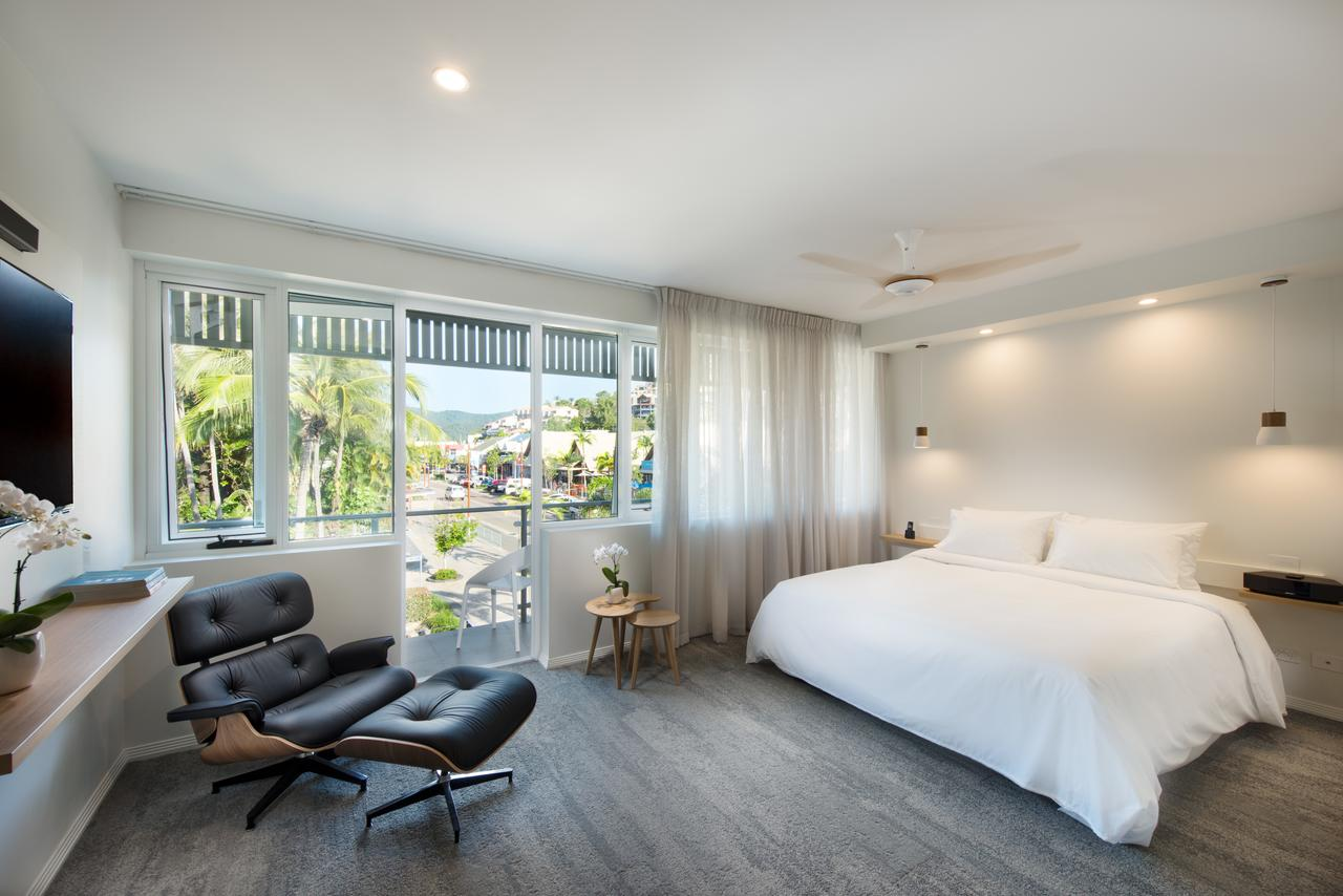 Heart Hotel and Gallery Whitsundays - Accommodation Gold Coast