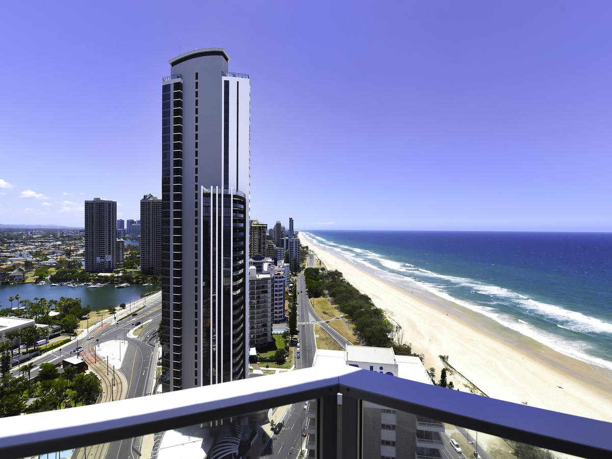 Surf 150 - Accommodation Gold Coast